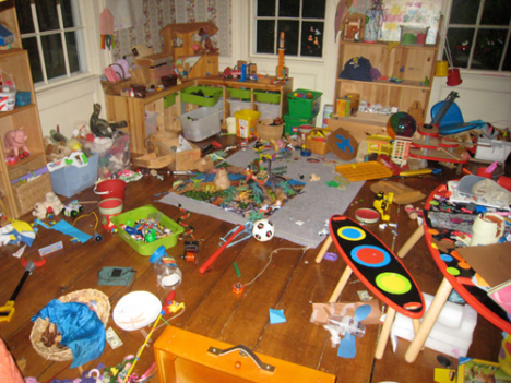 lent-messy-toy-room11