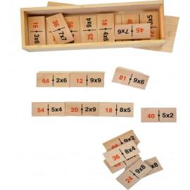 Dominó de madera con multiplicaciones