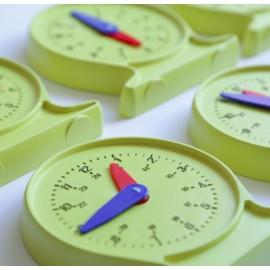 Set de 6 relojes de plástico de 11 cm de diámetro