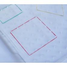 Geoplano con trama cuadrada transparente de plástico 23 x23 cm
