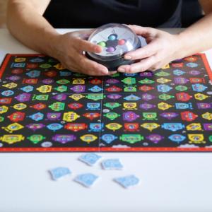 Robot Face Race: un juego que favorece el rastreo visual