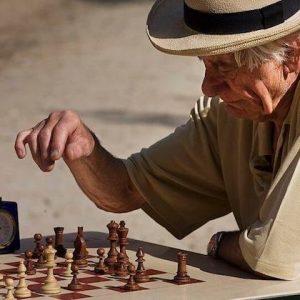 Cómo desarrollar las capacidades lógico-matemáticas en personas mayores